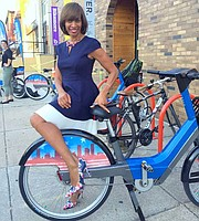 Slide-BIKE-SHARE_t180